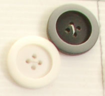 4-hole button (Plastic - 22mm - Black matt circled shiny grey)