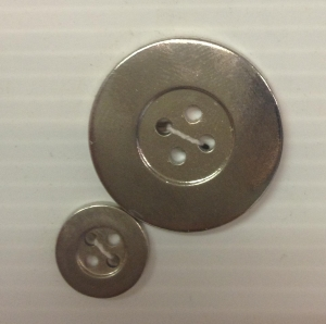 4-hole button (Plastic - 28mm - Silver)