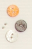 2-hole button (Mother-of-pearl - Orange - 11mm)