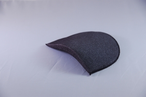 Raised side covered foam shoulder pad D5 black