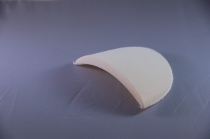 Raised side covered foam shoulder pad D4 white