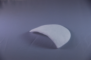 Wadding covered shoulder pad 493 M2 white